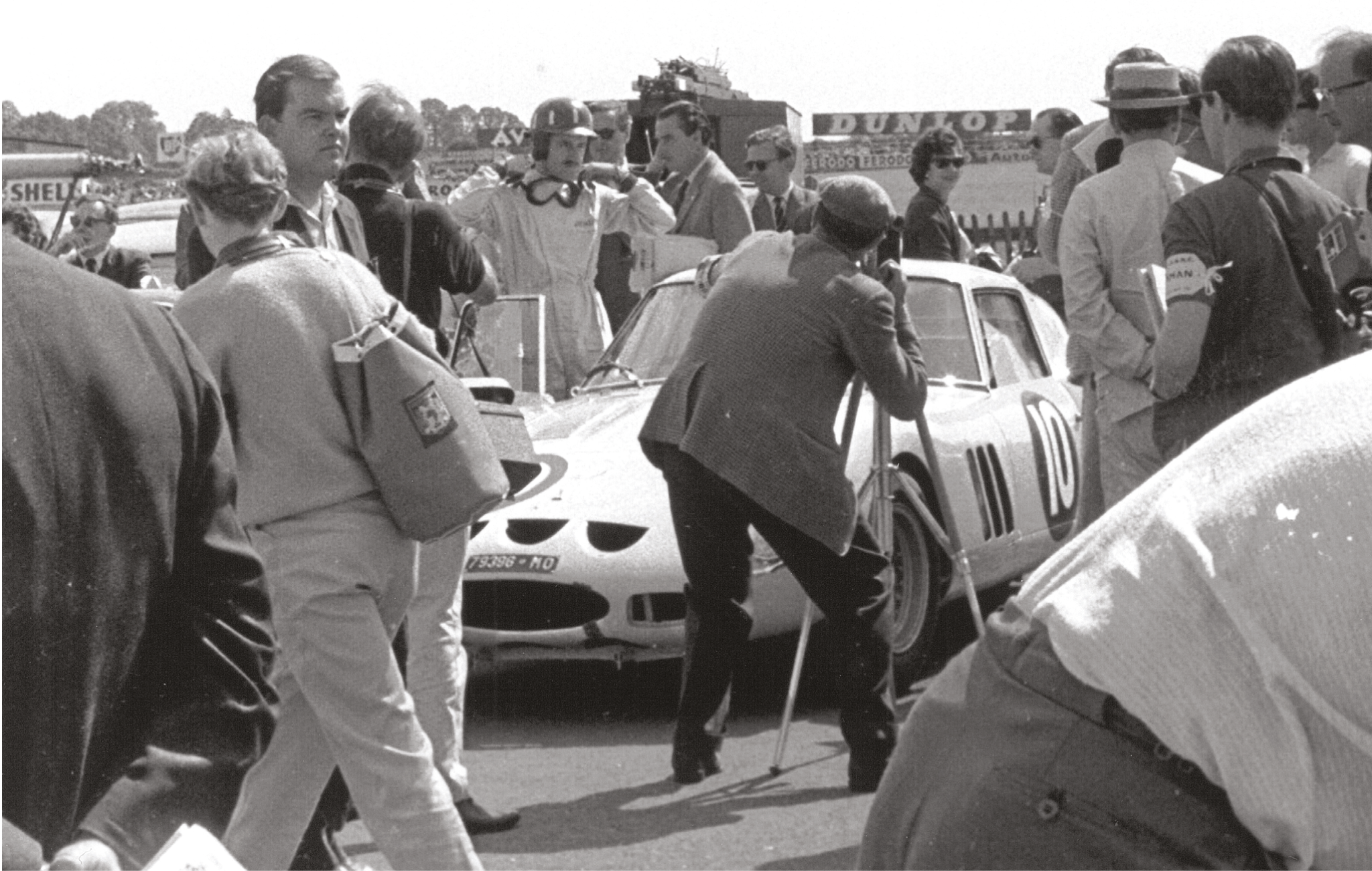 First entered in a Coombs E-type for the 1962 TT, Graham Hill switched to the team's 250 GTO