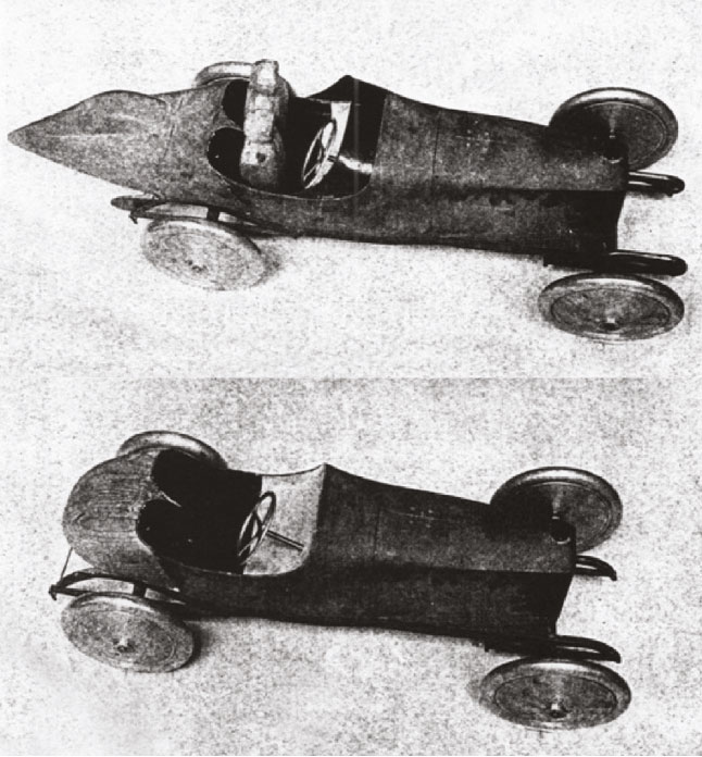 Before and after models of a 1914 Peugeot. Note the elongated rear of the reworked design (top)