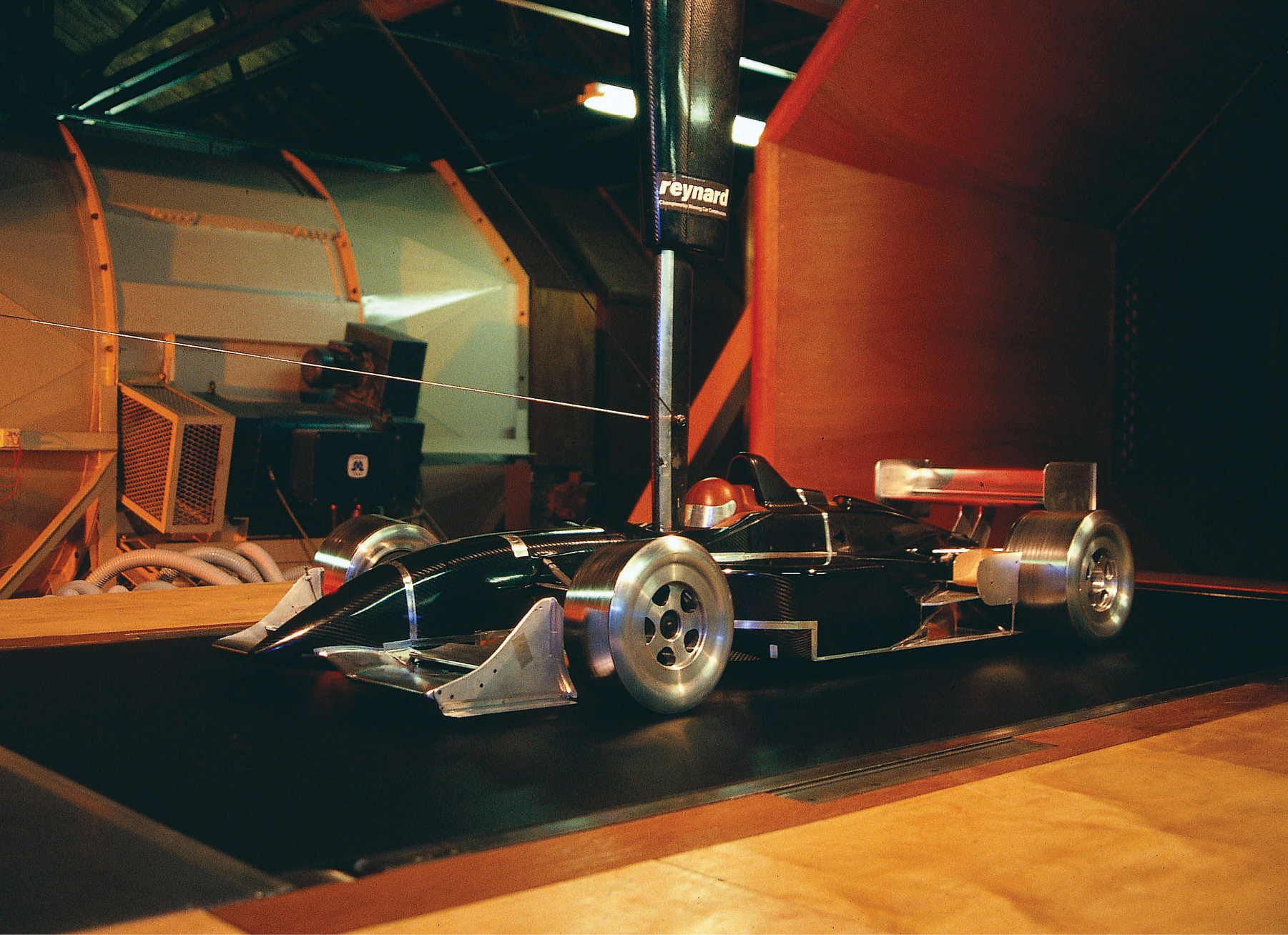Reynard model on the moving floor at Cranfield