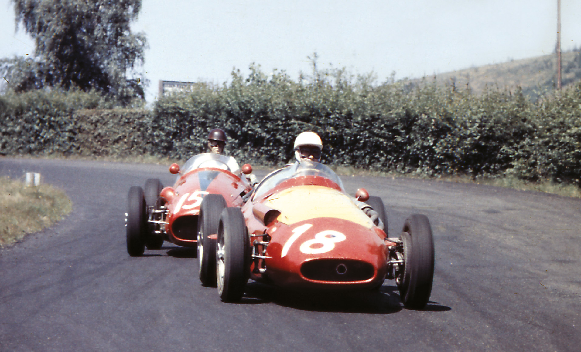 Francisco 'Paco' Godia leads fellow Maserati privateer Bruce Halford. While the Spanish nobleman retired with steering problems, the Englishman went on to finish 11th.