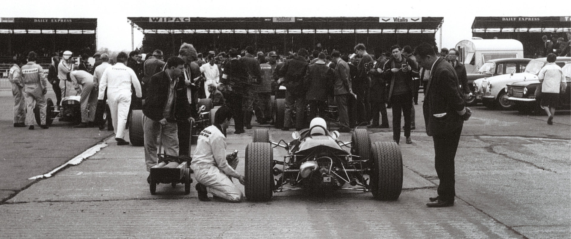 With racing luminaries like McLaren, Brabham, Siffert, Hill, Hulme and Ligier on the entry, there was no shortage of interest in the paddock