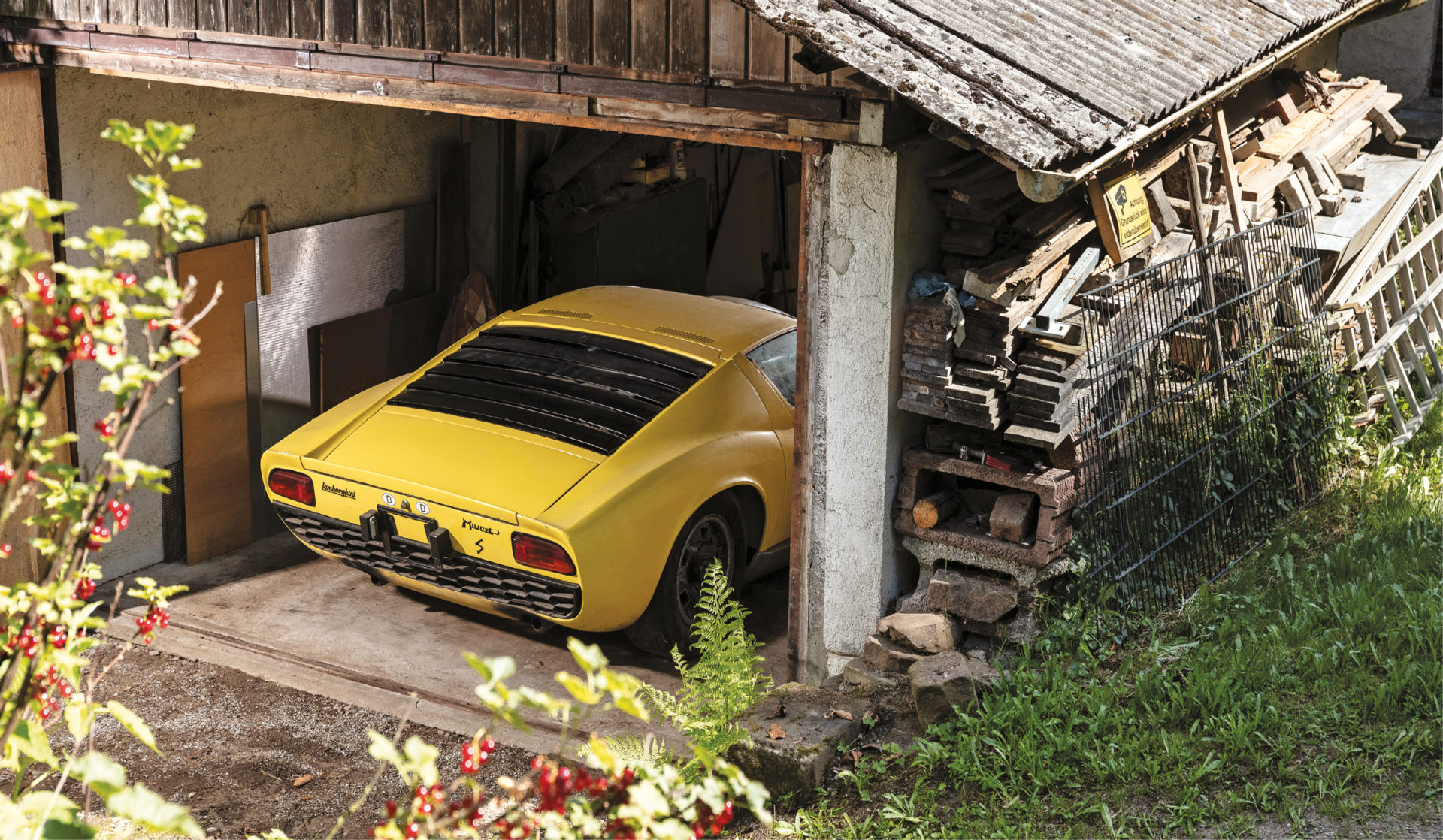 This Lamborghini Miura proved the perfect barn find project, but sold for a packet