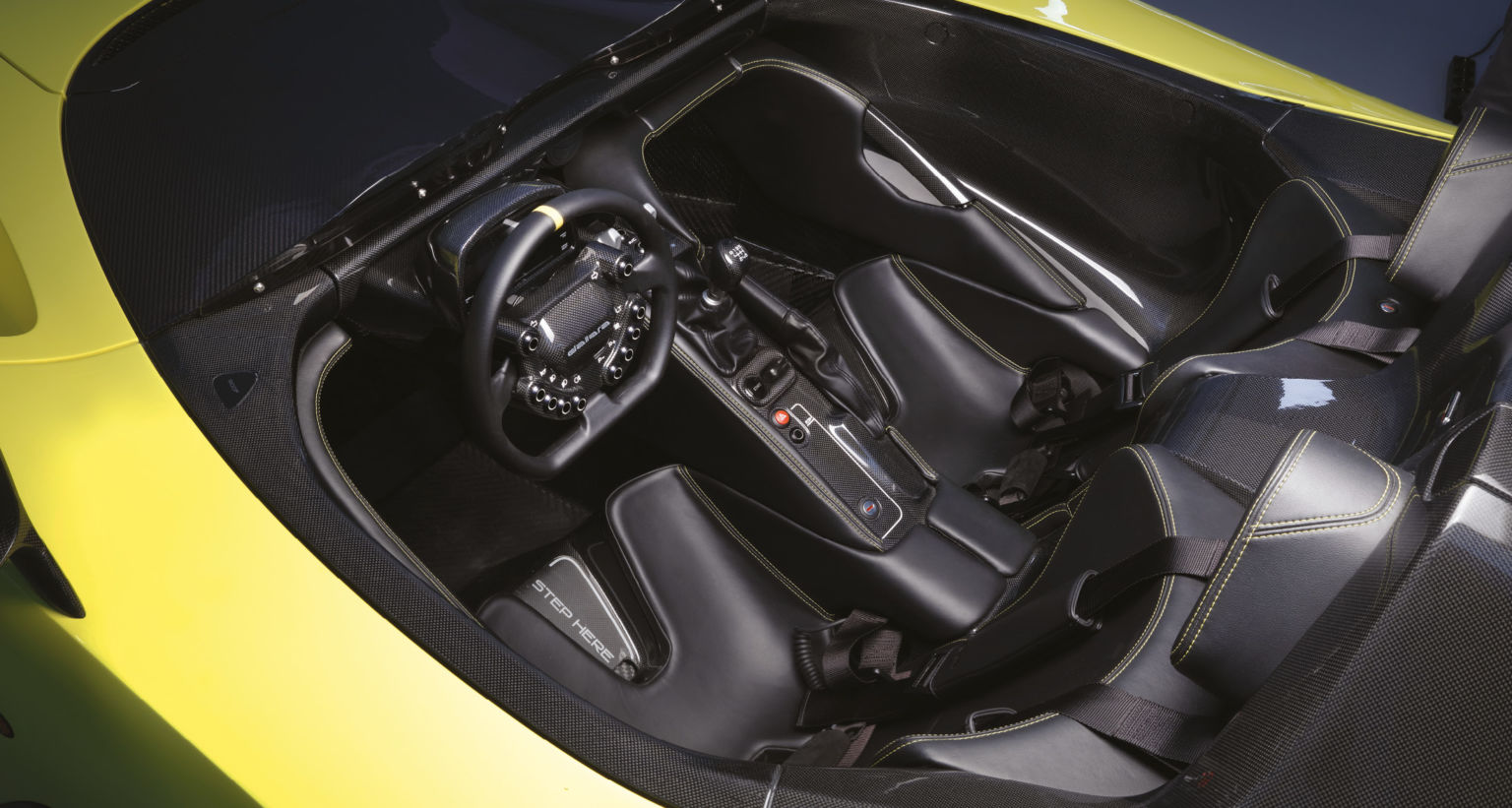 The interior is minimalist, and reflects the car's purpose well. This is a track-focused machine above all