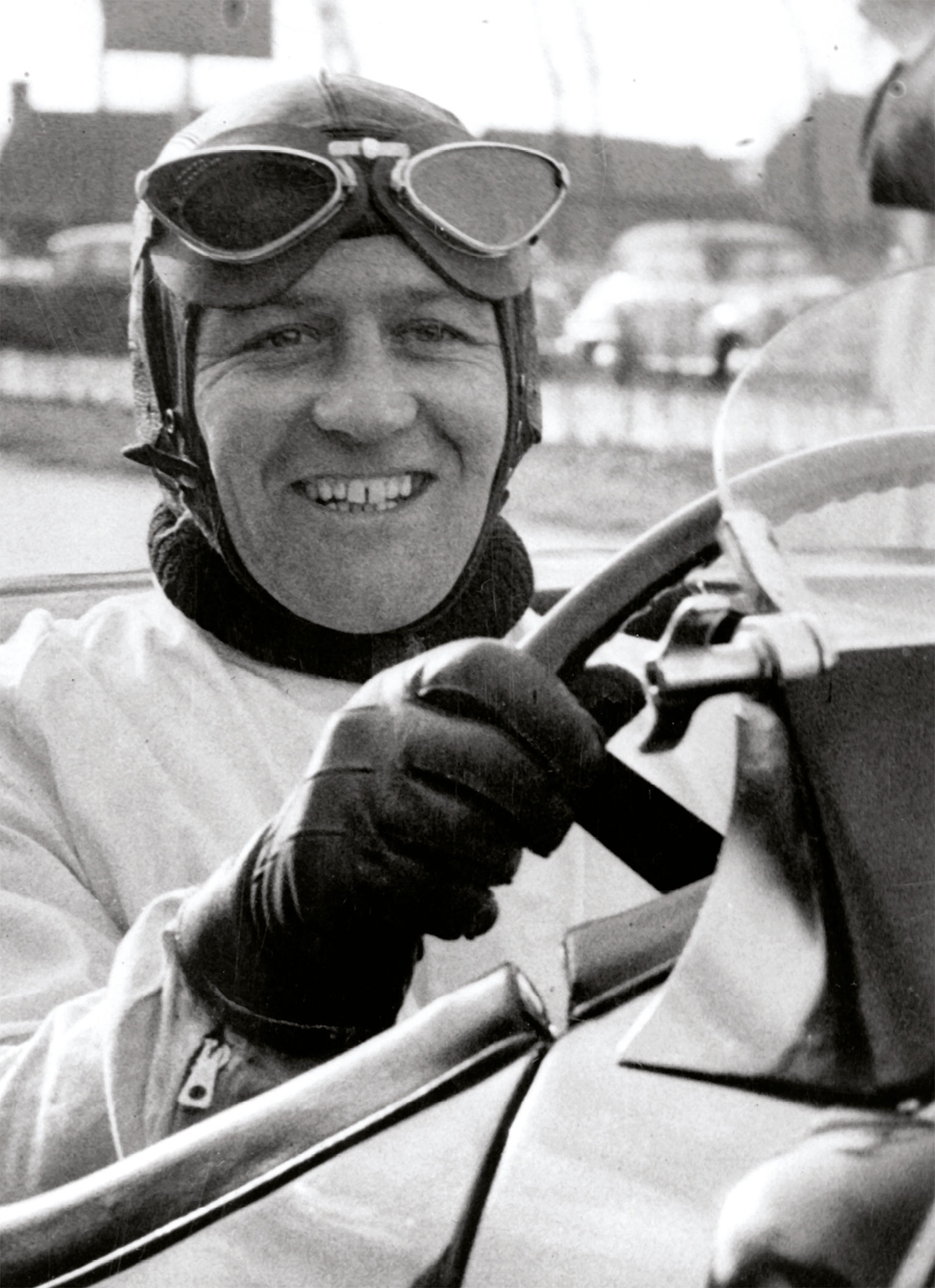 Dewis at the wheel of an XK120 in 1952 in Jabbeke, Belgium, a year before he broke the speed record for a production car there