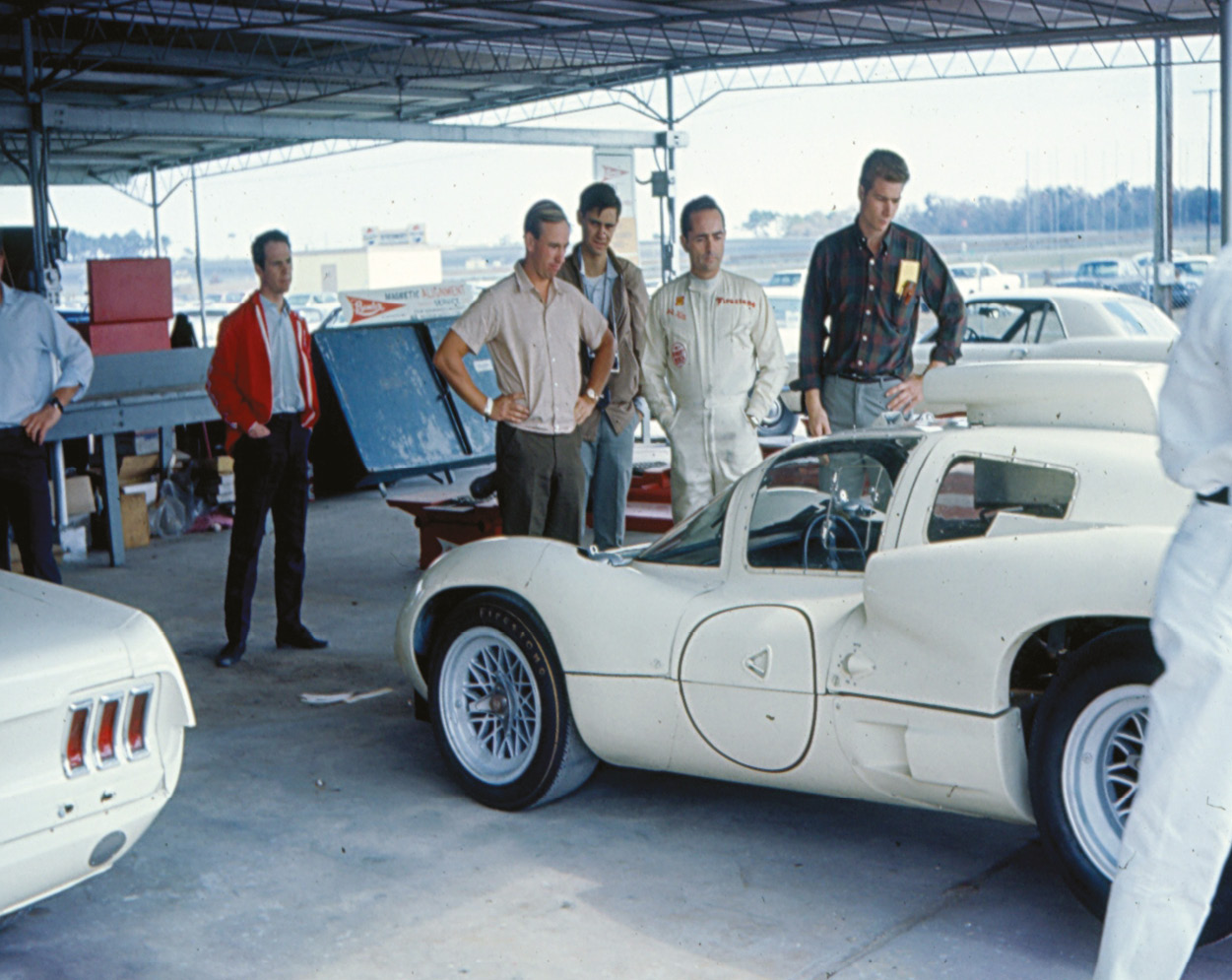 Mike Spence, Phil Hill, Jim Hall with Chaparral 2D, Daytona 24